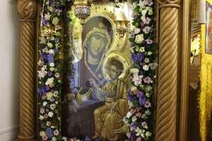 26 октября митрополит Иосиф совершил богослужения по случаю празднования Иверской и Седмиезерной икон Божией Матери