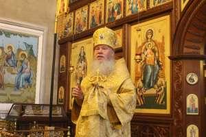 27 октября в Неделю 19-ю по Пятидесятнице митрополит Иосиф совершил литургию в Трехсвятительском храме города Ульяновска