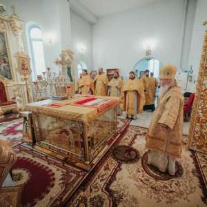 Божественная Литургия в храме во имя святителя и чудотворца Николая