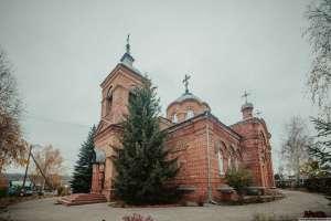 Митрополит Иосиф совершил литургию в храме в честь Рождества Христова города Ульяновска