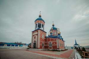3 ноября в Неделю 20-ю по Пятидесятнице митрополит Иосиф посетил Свято-Казанский Жадовский мужской монастырь