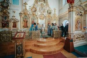 2 декабря, в день празднования иконе Божией Матери «В скорбех и печалех Утешение», митрополит Иосиф совершил богослужения в Спасо-Вознесенском кафедральном соборе