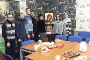 В Православном литературном клубе «Правлит» состоялась встреча с писательницей Ольгой Шейпак