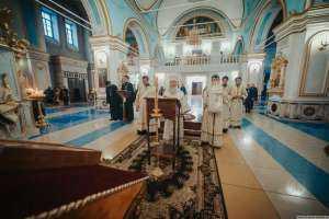 17 января, в пятницу, митрополит Симбирский и Новоспасский Иосиф совершил в Спасо-Вознесенском кафедральном соборе г. Ульяновска последование Царских часов
