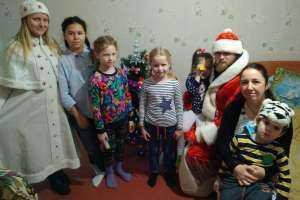 Православный молодежный клуб «Благовещение» поздравил с Рождеством многодетные семьи Ульяновска