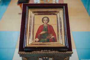 В Градо-Симбирском Спасо-Вознесенском кафедральном соборе возносится молитва святому великомученику и целителю Пантелеимону