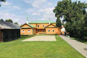 Митрополит Иосиф посетил дом-музей  в котором жил выдающийся деятель просвещения Симбирска — Илья Николаевич Ульянов