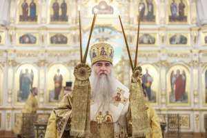 Божественная литургия в Свято-Воскресенско-Германовскомкафедральном собореУльяновска