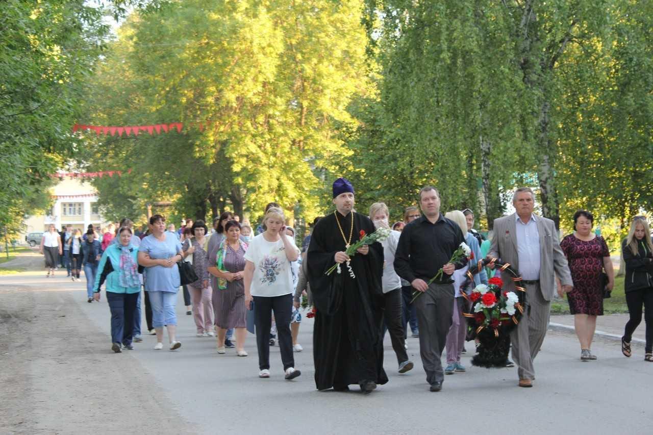 В поселке Вешкайма почтили память воинов-земляков, погибших в годы Великой Отечественной войны