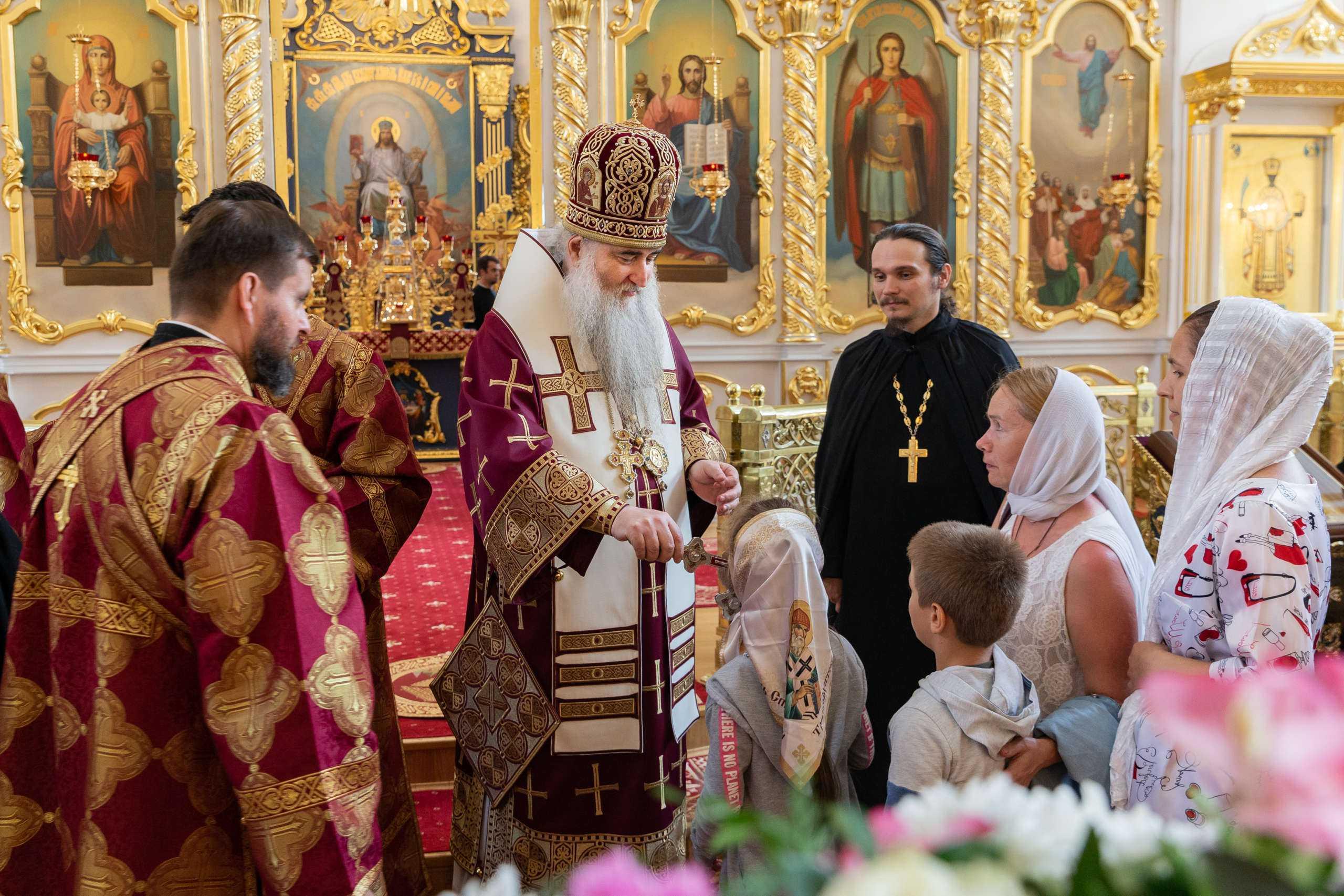 Митрополит Лонгин принимает поздравления со значимой юбилейной датой