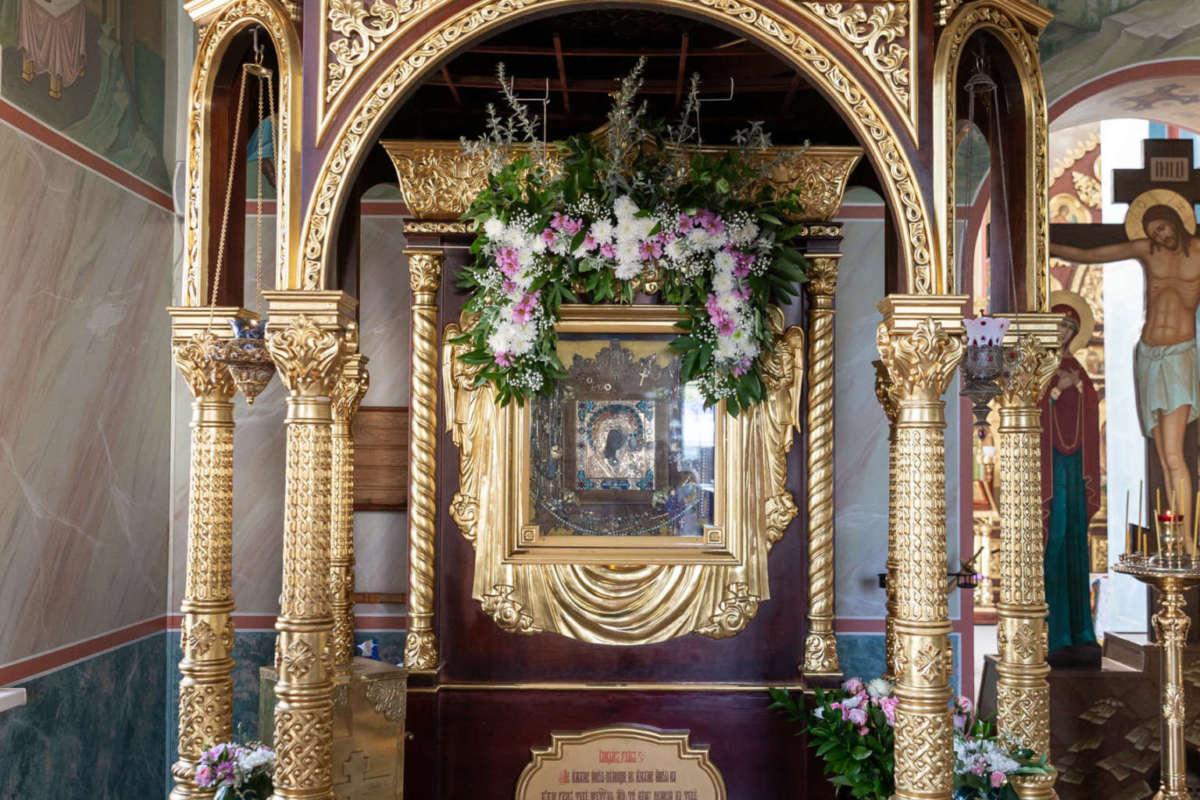 День Казанской иконы Божией Матери в Жадовском монастыре. Видео