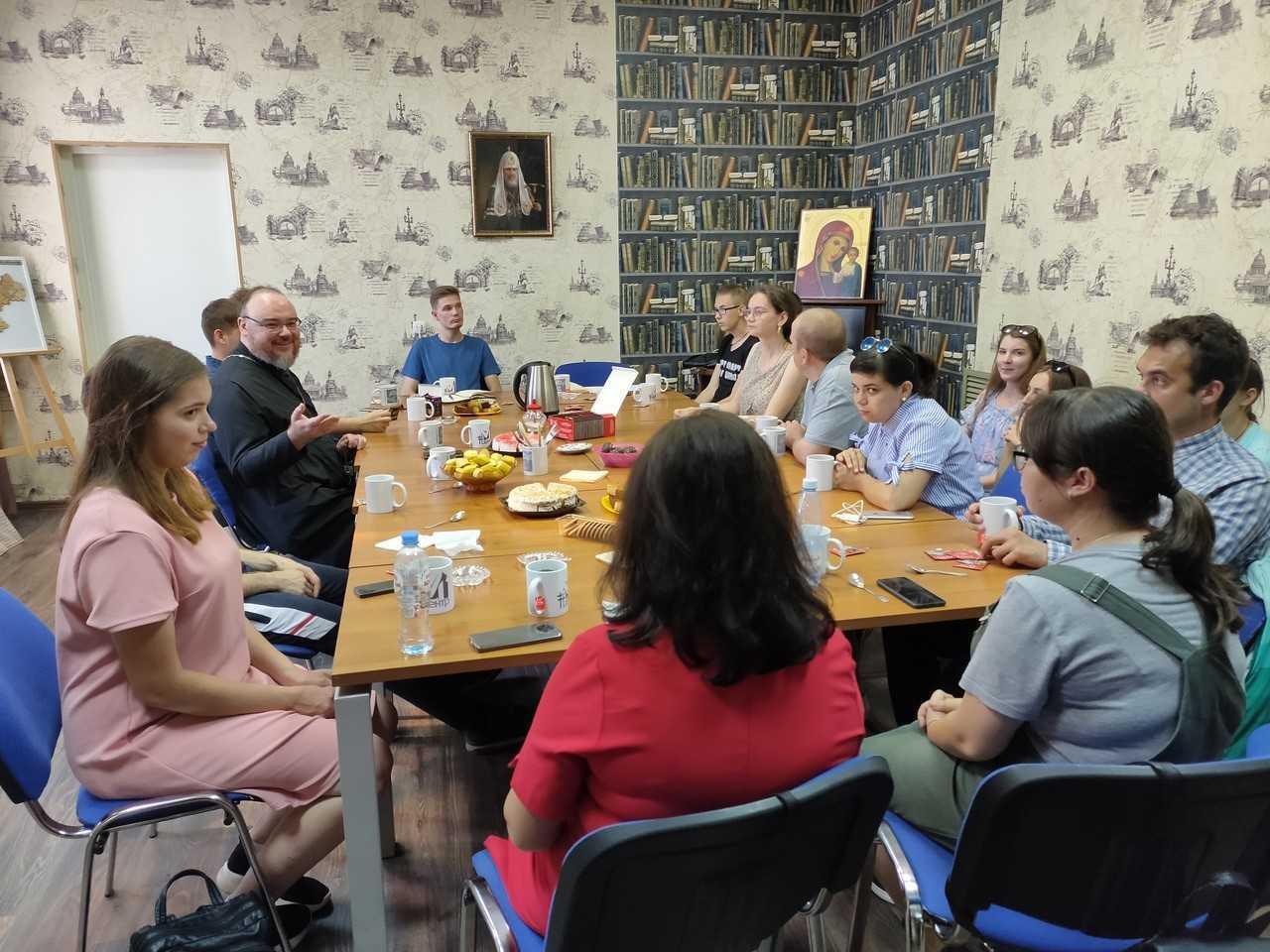 Симбирская православная молодежь начинает занятия по изучению Священного Писания